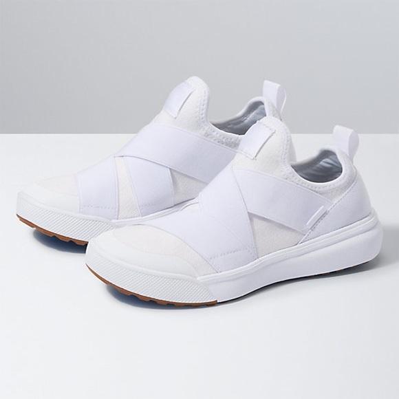 Nwt Ultrarange Gore Knit Sneakers True